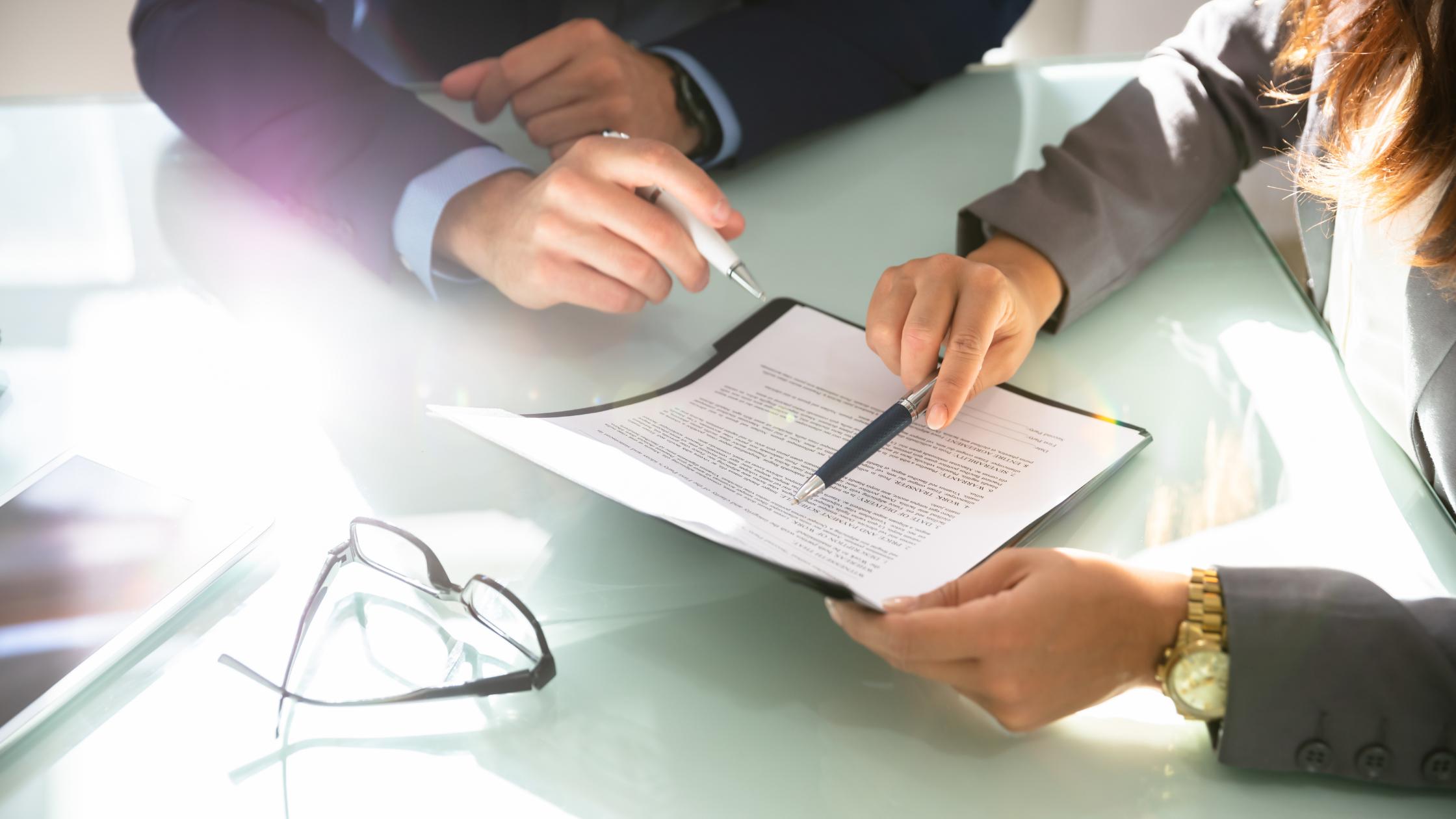 Mediazione – Provvigione e attività di mediazione - svolgimento in forma societaria – Diritto al compenso – Condizioni e limiti.